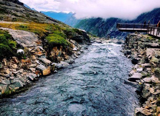 Norsk elv og fjell- Nordic photodesign